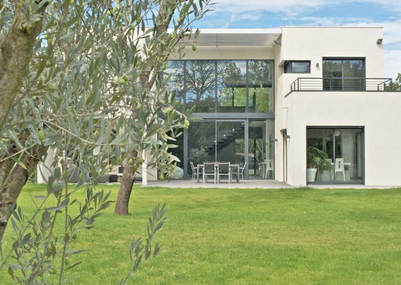 maison avec grand jardin pour photos, prises de vues