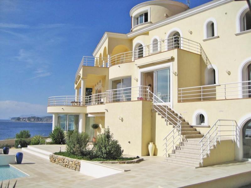 Location villa avec piscine vue mer port privé pour photos tournages près de Toulon