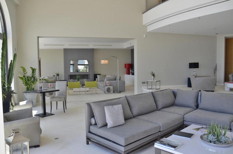Louer une maison contemporaine pour un lancement de produit