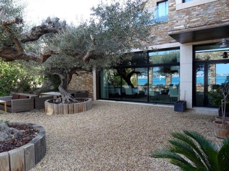 Où trouver une villa en bord de mer pour photo tournage dans le sud de la france région papa Marseille