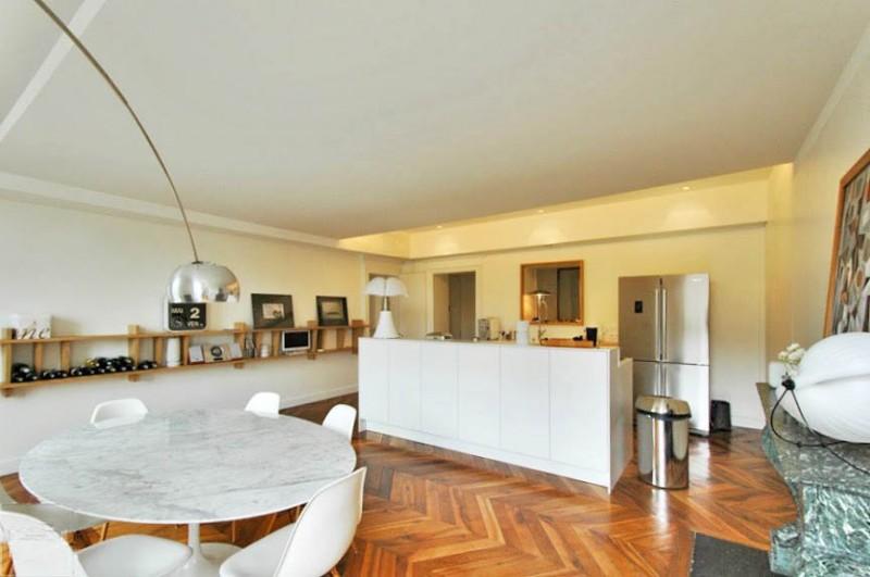 louer un appartement de type haussmannien avec parquet et moulures pour photos et tournages lyon. Black Bedroom Furniture Sets. Home Design Ideas