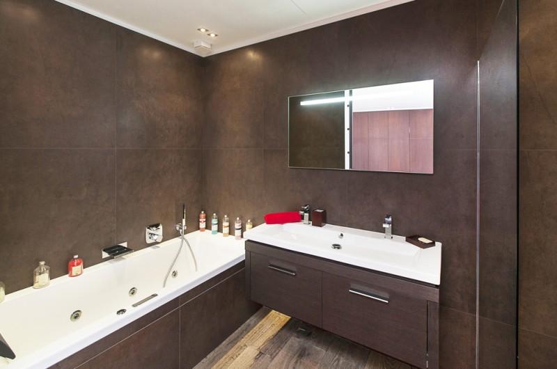 salle de bain moderne pour shooting photo