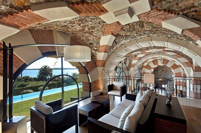 villa moderne avec vue mer pour lancement de produit, Cannes