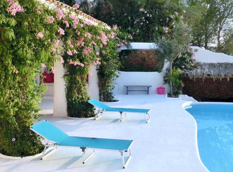 Maison atypique avec piscine vue mer louer pour for Location maison dans le sud avec piscine