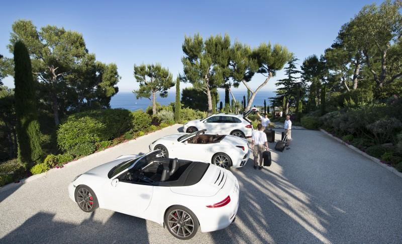 décor lancement voiture de luxe nice