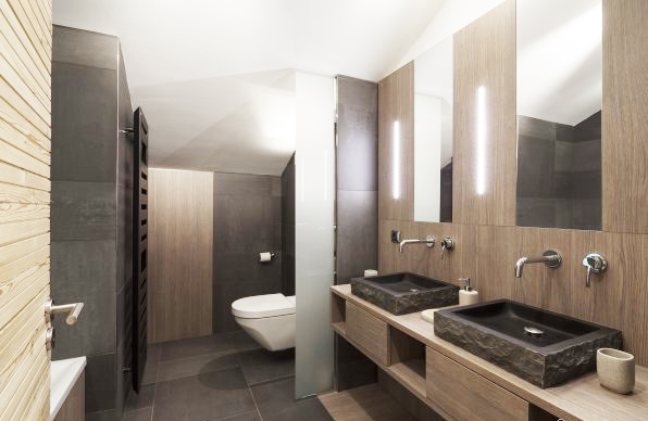 Salle de bain de chalet pour shooting photo