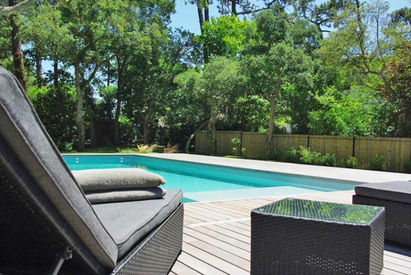 maison avec piscine pour production photo