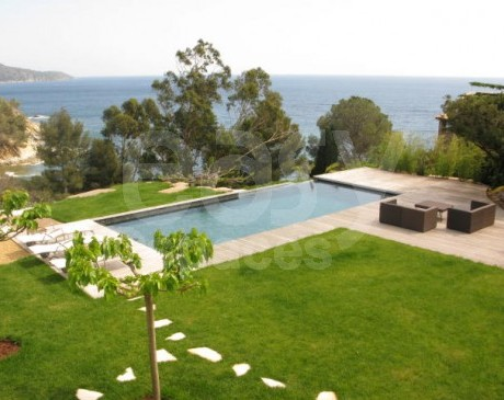 maison contemporaine à louer pour productions photos saint tropez 83