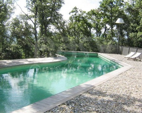 piscine atypique de villa moderne à louer aix marseille france