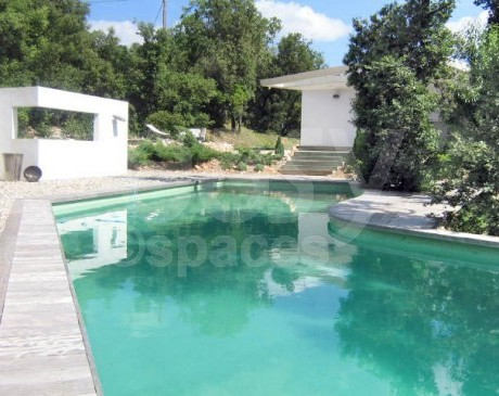 piscine atypique villa d ' archi à louer pour tournages à aix en provence