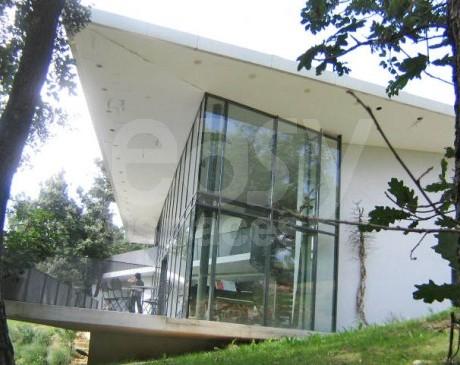 extérieur maison moderne avec piscine à louer marseille et aix