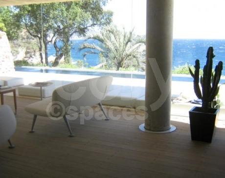 location villa moderne avec piscine pour tournages dans le var