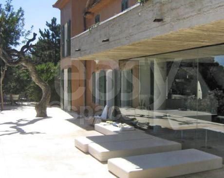 location de villa d ' architecte contemporaine pour productions photos toulon