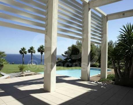 terrasse de villa contemporaine à louer pour les tournages et les prises de vues photos dans le sud de la france marseille toulon