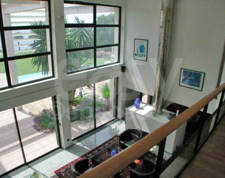 location d ' intérieur moderne pour les tournages de films le cinema et la photo marseille