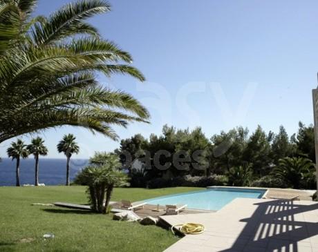 location exterieur de villa d ' archi contemporaine avec piscine vue mer la ciotat saint cyr sur mer
