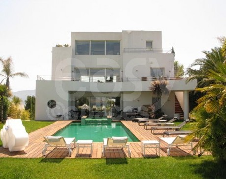 location villa contemporaine pour production films et photos marseille