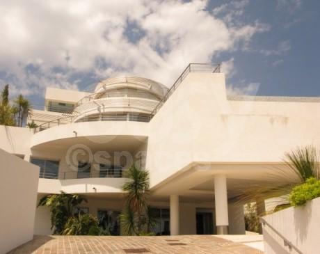 location de maison avec deux piscines pour tournage  marseille
