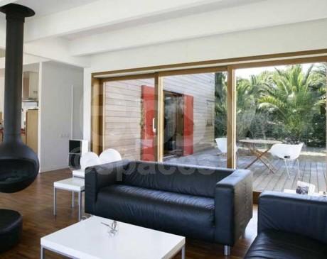 séjour villa moderne avec décoration design  marseille 13