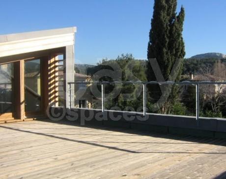 terrasse bois à l' étage vue campagne villa moderne cassis france