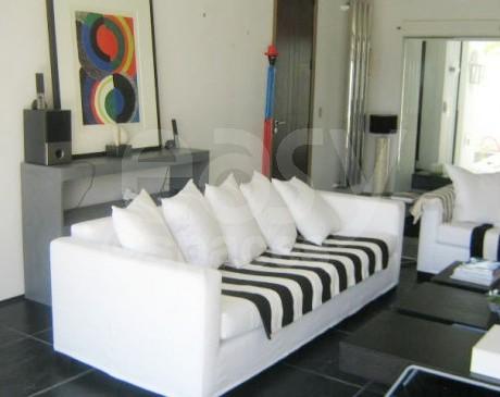 Location villa contemporaine Saint Tropez Var 83