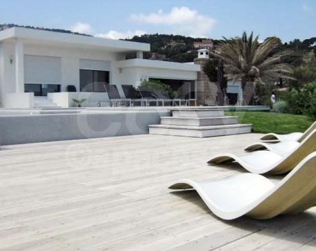 Location villa avec piscine pour production photo a saint tropez