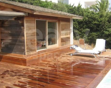 maison d'architecte contemporaine en bois avec piscine saint tropez var