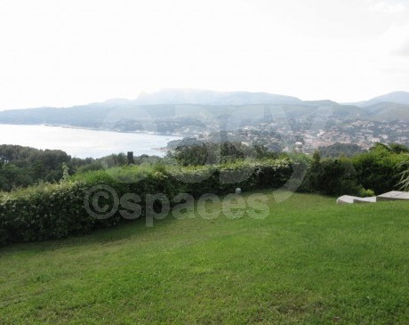 Location saisonière de villa avec jardin Marseille 13 cassis