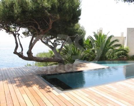 location terrasses de maison contemporaine avec piscine vue mer marseille