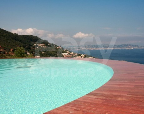 piscine de maison d ' archi en location pour les evenements cannes paca