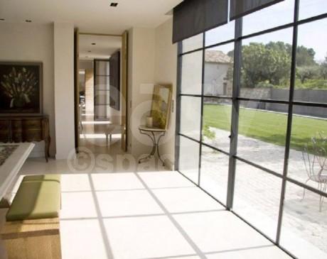 louer un bel intérieur de maison moderne pour les tournages et les shootings photos aix en provence