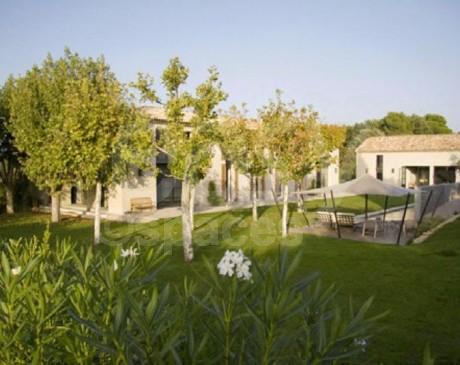 louer une maison avec piscine pour les tournages films et photos en provence