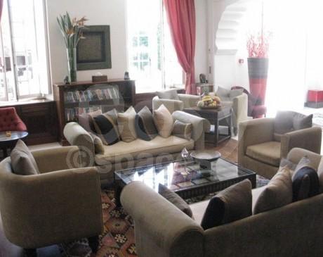 location de lieux et belles demeures pour tournages saint tropez côte d  'azur