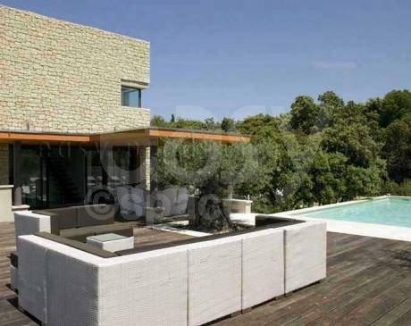 location de villa de charme avec piscine moderne Lubéron avignon