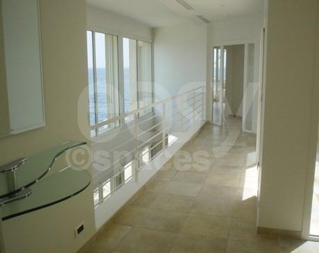 villa moderne avec piscine à louer pour production photo marseille