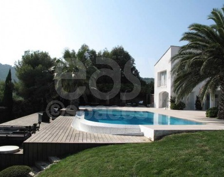 Villa moderne avec piscine et vue mer Saint-Tropez Var
