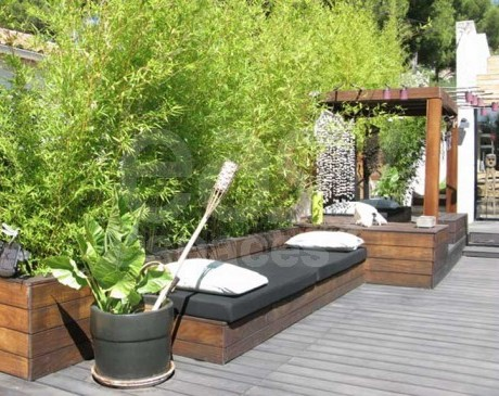 terrasse en bois avec bambous maison d ' architecte piscine marseille