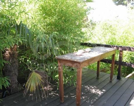 terrasse zen en bois maison d ' architecte avec piscine marseille