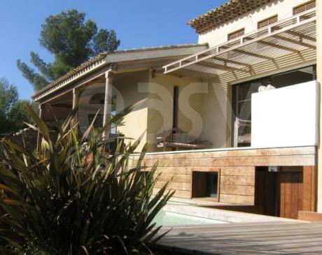 maison d ' architecte avec piscine vue mer pour shooting photo saint-tropez var
