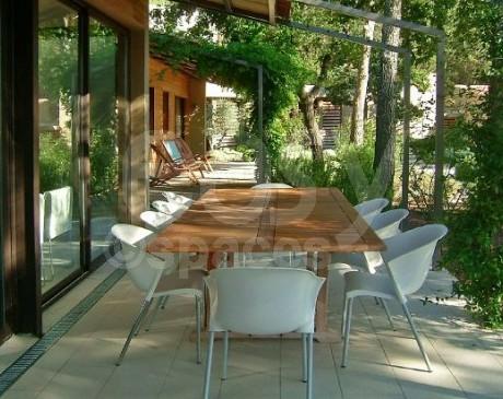 villa moderne avec piscine à louer pour photos et tournages films lubéron