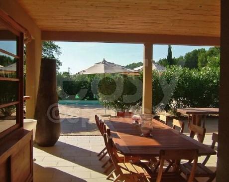 maison contemporaine en bois écologique à louer dans le lubéron