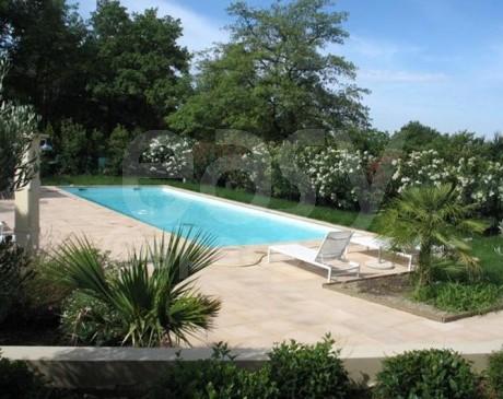 piscine de villa contemporaine à louer dans le lubéron pour tournages et photos