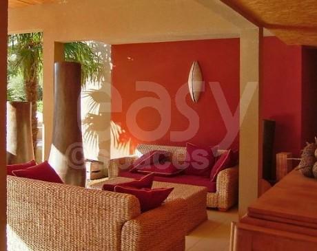 villa en bois type écologique avec piscine à louer dans le lubéron