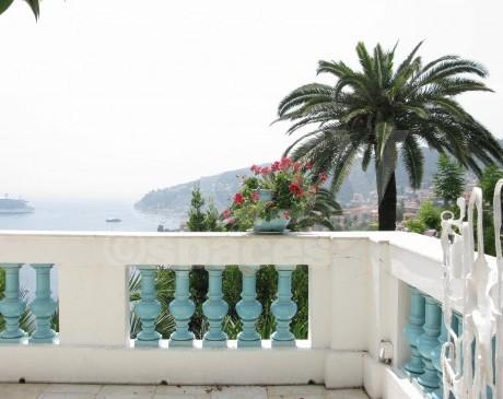 terrasse vue mer à louer pour longs métrages  nice provence côte d'azur