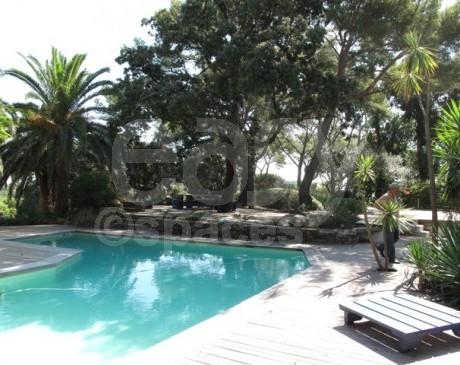 villa avec piscine en location pour tournages de films et prises de vues photos hyères toulon