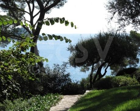 extérieur de villa vue mer en location pour les productions photographiques et de films à toulon hyères var