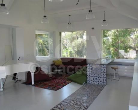 intérieur moderne de villa à louer pour les tournages et productions photos toulon hyères var