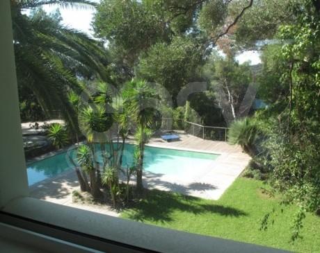 extérieur de propriété avec piscine en location pour tournages films et photos dans le sud de la france toulon hyères var