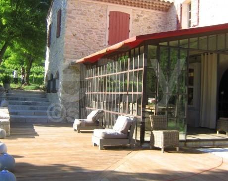 location lieux de tournages avec piscine marseille cassis