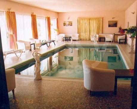 Location villa avec piscine pr s de cannes et grasse lieux for Interieur sud cannes